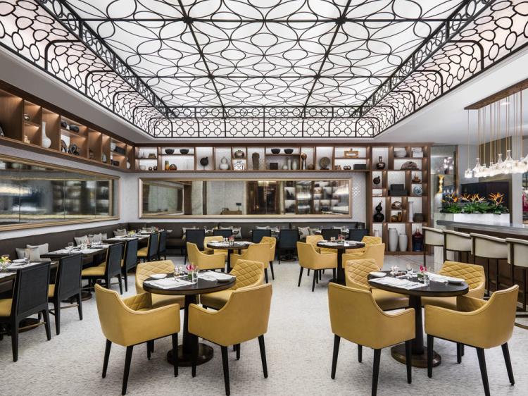 the-manor_restaurant-interior_1000x750_1.jpg